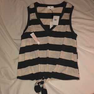 Striped tank top with knot